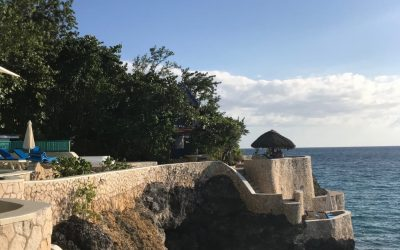 Travel to the cliffs in Negril